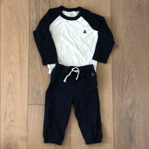 Baby boys 12-18 month gap onesie and pants